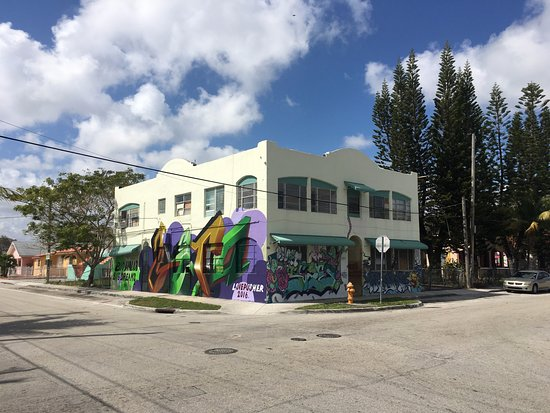 Miami Culinary Tours - Private Tours: Street Art in Wynwood