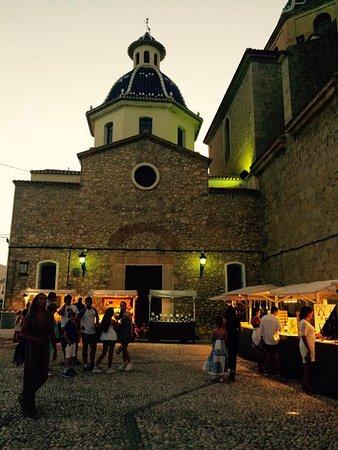 Altea Market : Cada noche de verano, al atardecer, comienza la Mostra de artesanía contemporánea