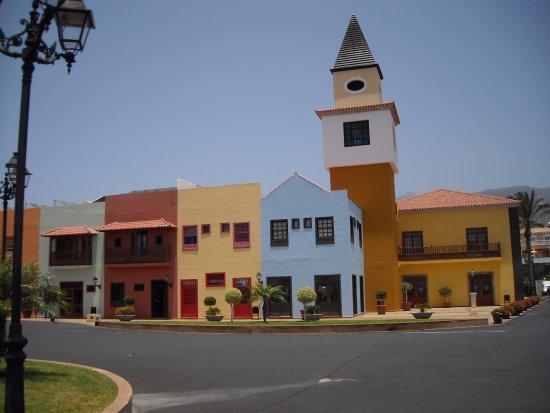 Bahia Principe Costa Adeje: on arrive à l'entrée de l'hotel