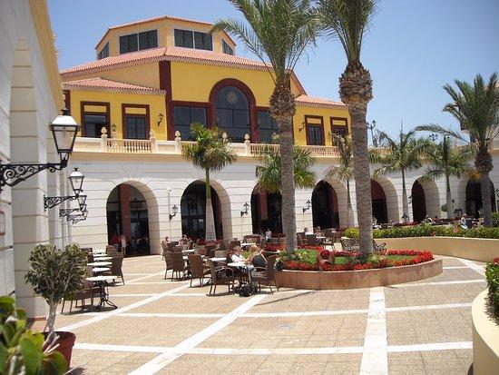 Bahia Principe Costa Adeje: une place dans l'hotel
