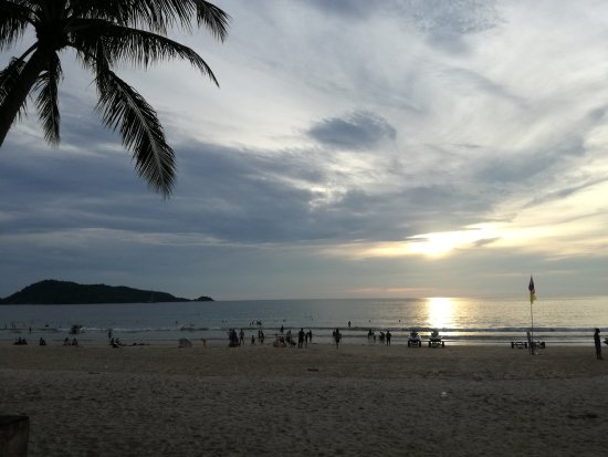 Sunset Beach Resort: Views while sitting on the beach-side nearby