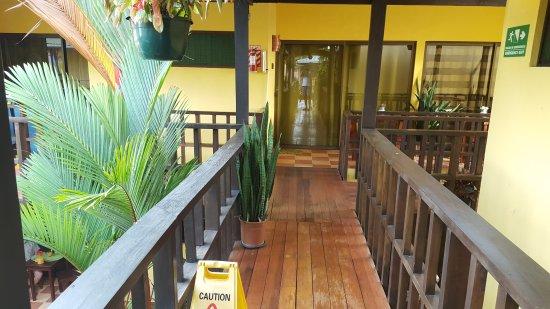 La Casa de las Flores Hotel: 20170501_070749_large.jpg
