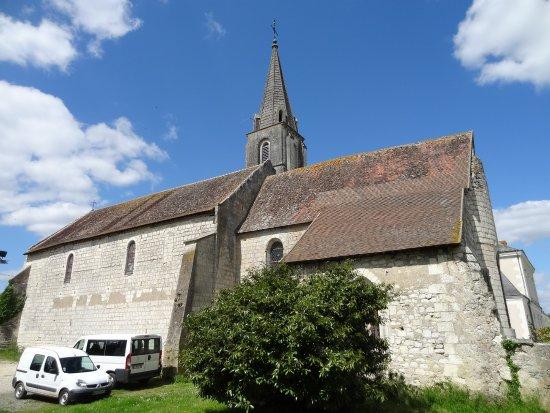 Saint-Flovier, Francja: l'église des établissements Ste Jeanne d'Arc