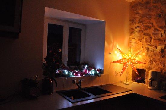 Saint-Sauveur-le-Vicomte, France: Noël dans Les Ecuries Mécaniques.2