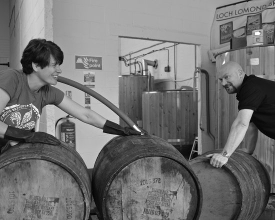 Loch Lomond Brewery: Filling whisky barrels