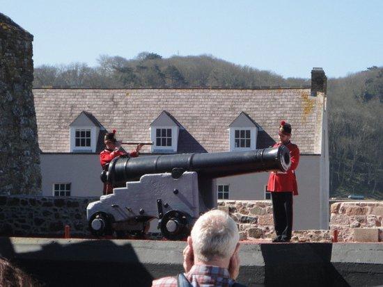 Castle Cornet: Noon day gun