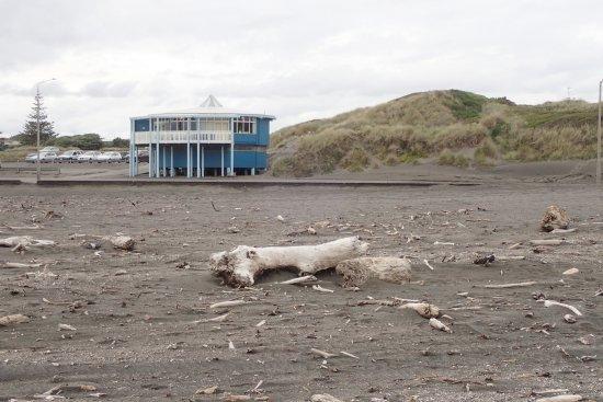 Whanganui - Castlecliff Beach 20