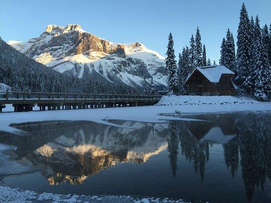 Emerald Lake Lodge: photo3.jpg