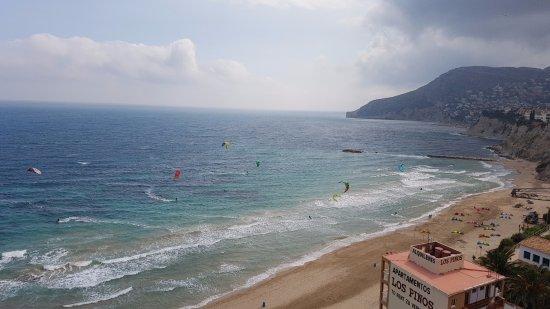 Playa Arenal-Bol: Playa y haciendo Surf con parapente.