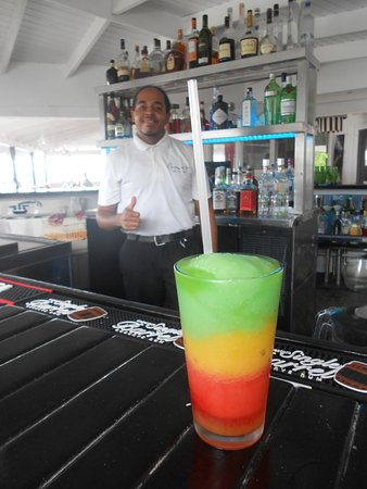 "Ana's On the Beach : Bryce with a ""Bob Marley"" cocktail"