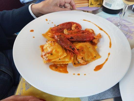 Caltignaga, Italia: ravioli al limone e gamberi