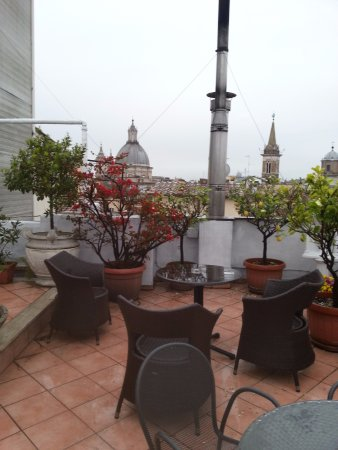 Hotel Genio: Roof Terrace Seating Area