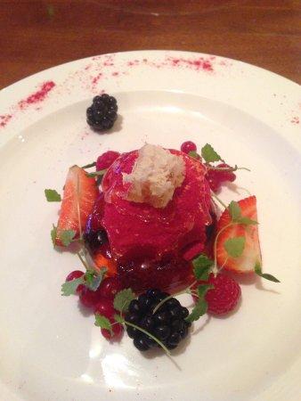 The Worsley Arms Hotel: Elderberry jelly dessert, blackberries, strawberries, redcurrants, honeycomb square.