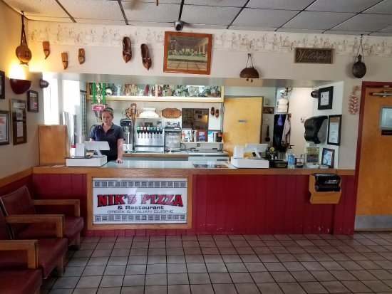Nik S Pizza Restaurant Welcomed At The Counter When You Walk In Dine