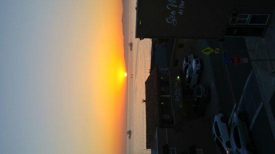 The Sea View Inn at the Beach: 20170430_193613_HDR_large.jpg