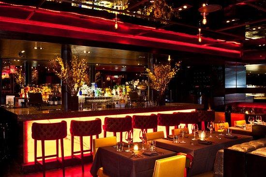 Sanctuary Hotel New York: Tender Steak & Sushi