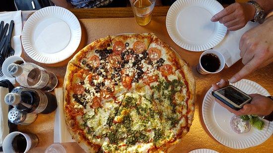 Photo of Italian Restaurant Pizza My Heart at 220 University Ave, Palo Alto, CA 94301, United States