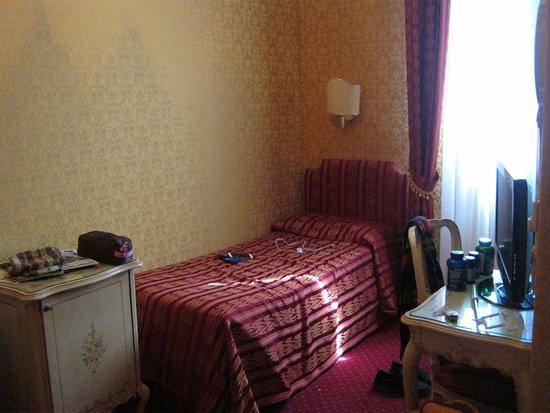 Hotel Castello: habitacion con dos camas