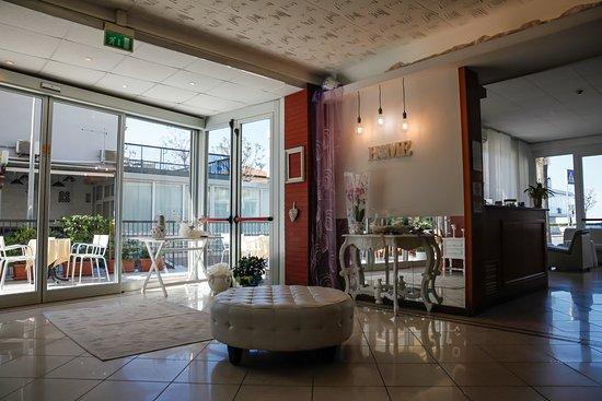 Hotel venus rimini miramare reviews photos price - Bagno 144 miramare ...