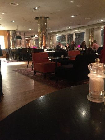 Hotel Rival: Restaurant