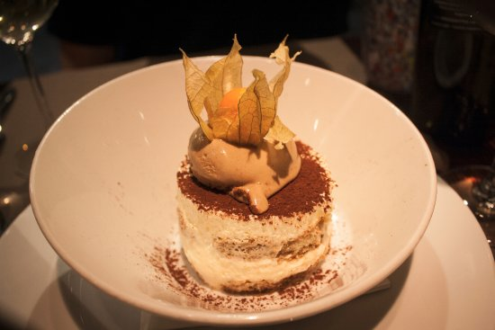 Impronta Cafe: Behold ... the BEST tiramisu of my entire 10-day trip to Italy.