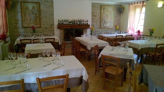 Modigliana, Italia: Sala con menù alla carta