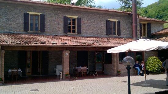 Modigliana, อิตาลี: Esterno del Agriturismo
