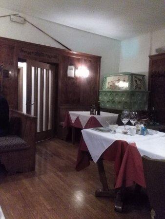 Rasun di Sopra, Italia: particolare sala locale