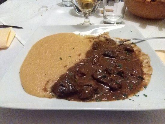 Rasun di Sopra, Italia: goulash con polenta