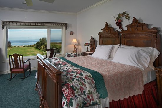 Sea Cliff Gardens Bed & Breakfast : Maria Theresa's Suite