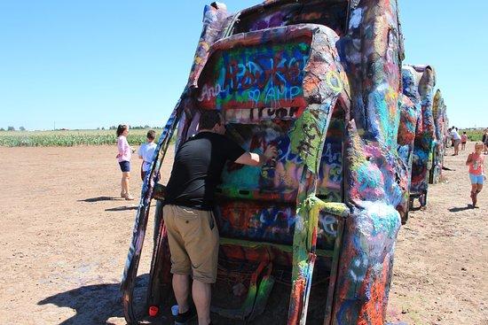 Cadillac Ranch: Tagging graffiti