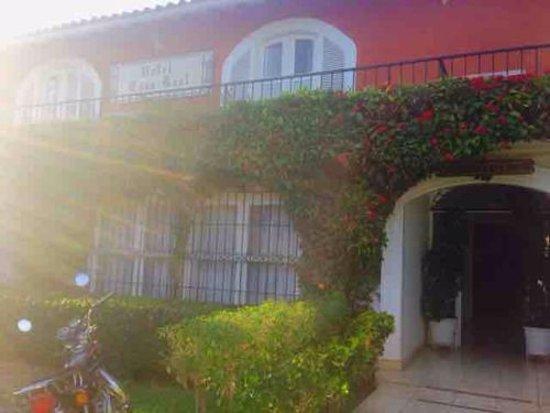 Hotel Casa Real: Hotel entrance