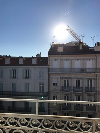 Hotel  Le Cavendish: Balcony - sunny Saturday morning