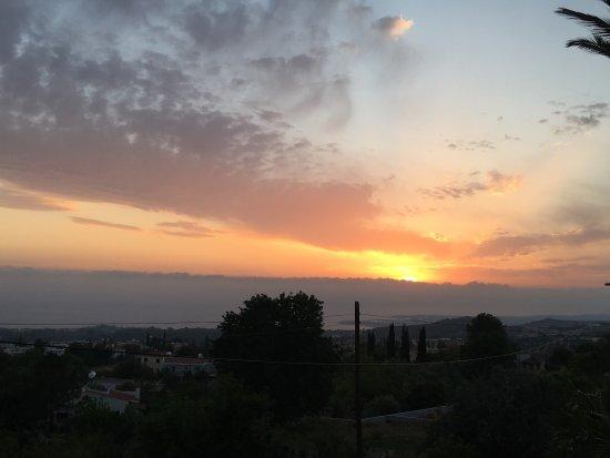 Tala, قبرص: 1st May sunset 🌅