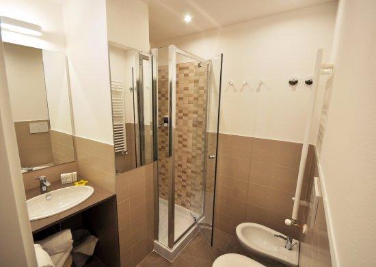 Hotel adelphi bewertungen fotos preisvergleich for Bagno 68 riccione