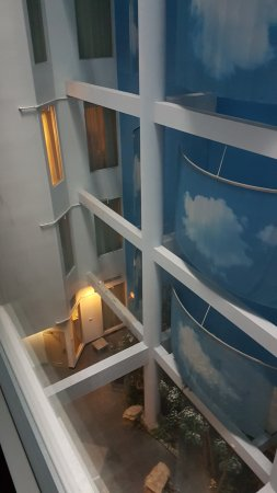 The Suites At 1King West Hotel Toronto : The disapointing 'Atrium view'.