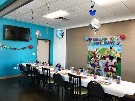 Wausau, Висконсин: WOW is perfect for birthday parties!