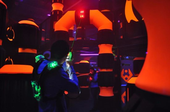 Wausau, WI: Multi-level 6,000 square foot laser tag arena