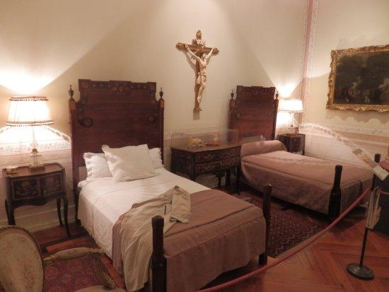 Medeiros e Almeida Museum: O quarto do casal