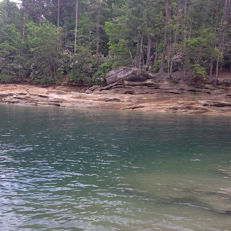 Devils Fork State Park: Crystal clear blue water