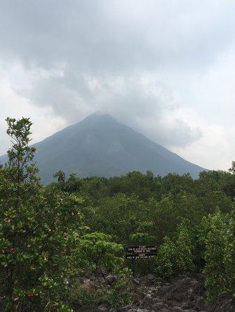 Volcano Lodge & Springs: photo0.jpg
