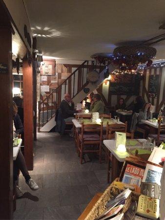 Bonneville-la-Louvet, Prancis: La Picota