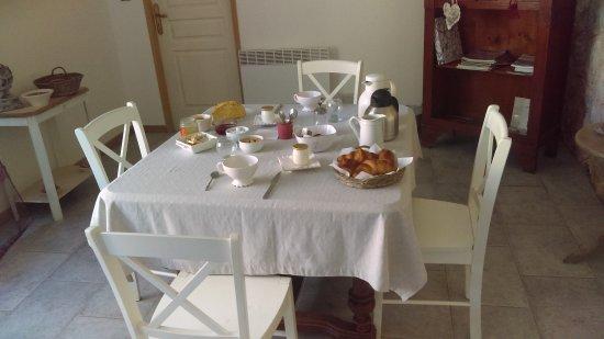 Domaine Sainte Marie des Ollieux: Petit déjeuner