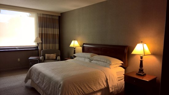 Sheraton Imperial Hotel and Convention Center: King room