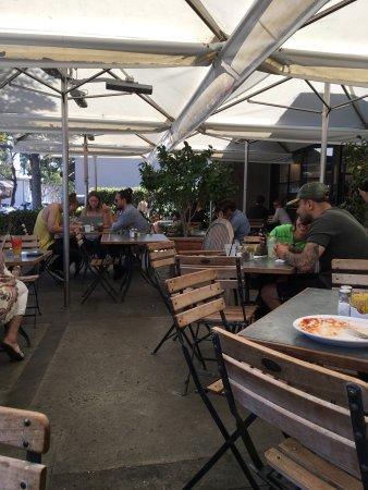 Zinc Cafe U0026 Market: Outside Dog Patio