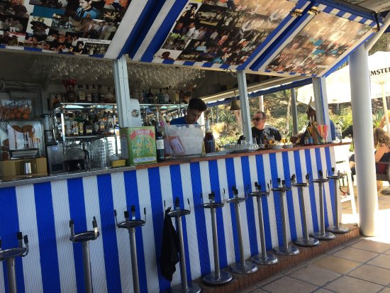 Victor's Beach Bar : photo2.jpg