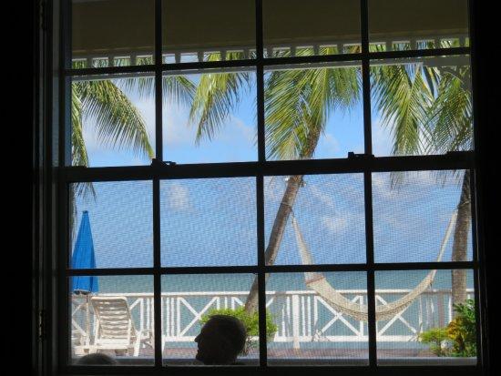 فيلا بيتش كوتيدجيز: View from our room