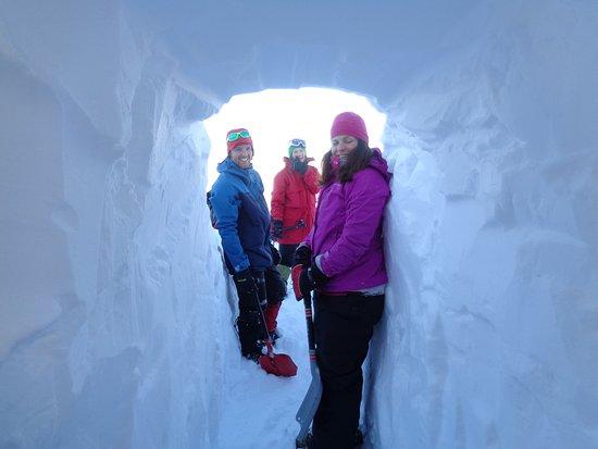 Geilo, Norway: Bygg snøhule og sov der