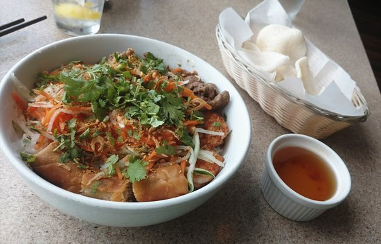 Basilic Vietnamese Grill Photo