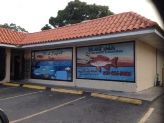 Blue sea seafood market and restaurant tampa restaurant for Fish market tampa